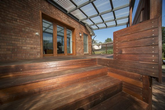 ACT Decks - Hackett - Outdoor entertainment area made of hardwood deck